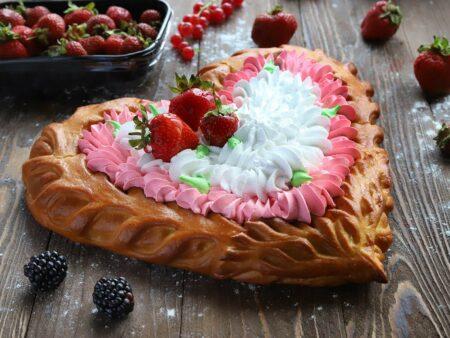 Пирог с вишней со сливками